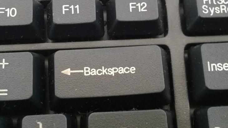 Нажатие Backspace